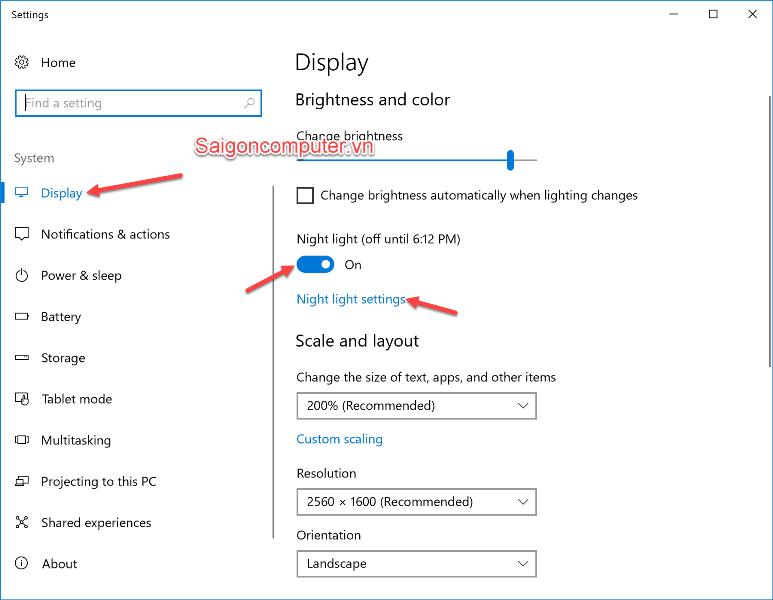 Bật tính năng Night Light (ánh sáng đêm) với Windows 10