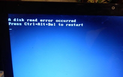 "Báo lỗi ""A disk read error occurred…"""